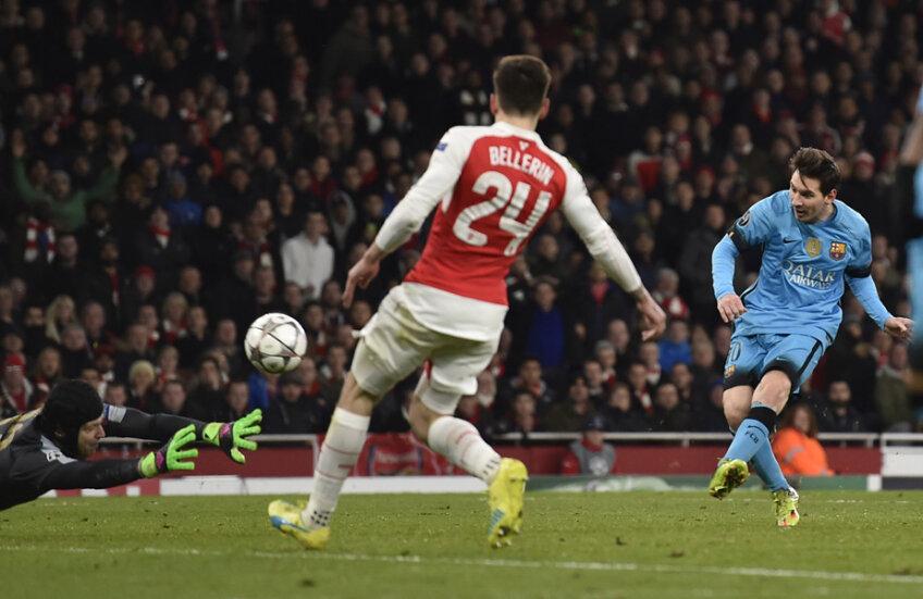 Brațele de caracatiță ale lui Cech nu-l pot opri pe Messi la 0-1 // FOTO Reuters
