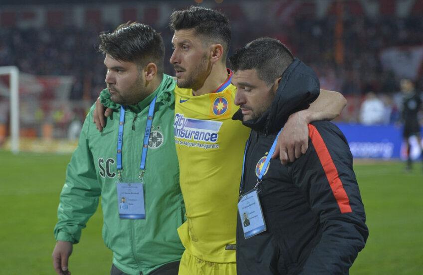 Marica a fost ajutat de staff-ul medical al Stelei să iasă de pe teren la meciul cu Dinamo