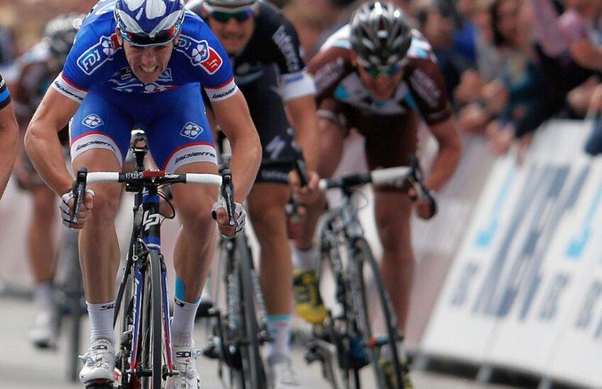 Arnaud Demare, în albastru, foto: Guliver/gettyimages