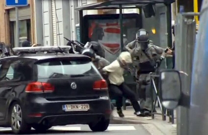 Salah Abdeslam, prins de trupele antitero la Bruxelles