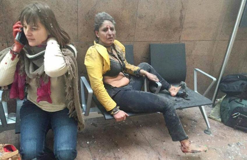 Stewardesa indiană a scăpat ca prin miracol, poza la câteva secunde după prima explozie fiind făcută de reportera georgiană