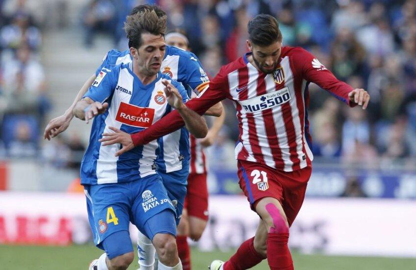 Victor Sanchez, stânga, e din 2012 la Espanyol