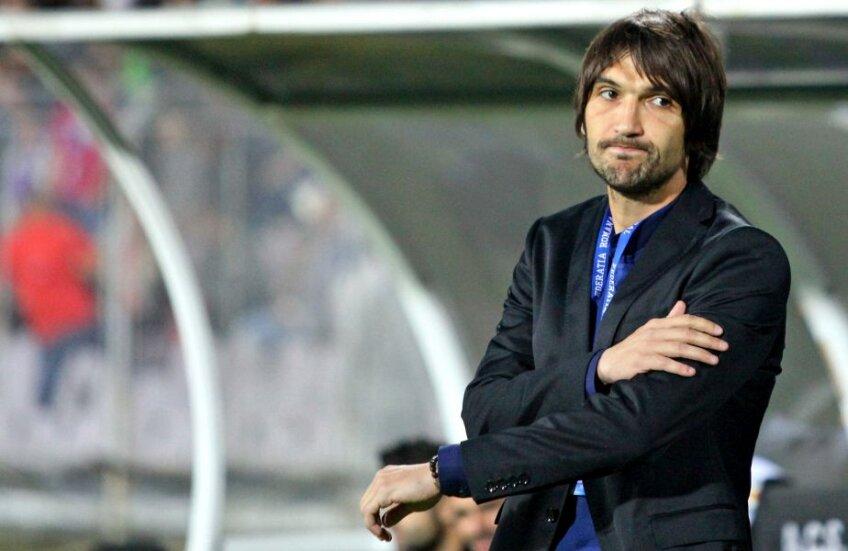 Alexa a promovat pe teren în prima divizie, însă nu poate da piept cu Steaua și Dinamo din pricina falimentului clubului. Cel mai probabil,