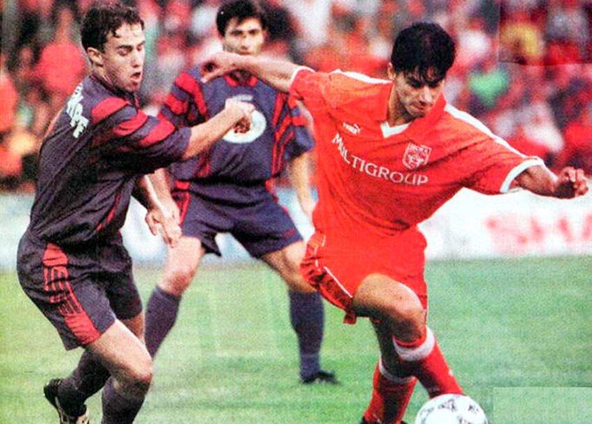 Reghecampf într-un meci cu ȚSKA Sofia din 1997 / Foto: fcsteaua.ro