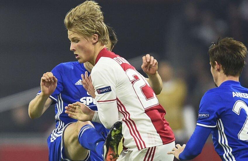 Dolberg a fost lovit joi, în Europa League, de compatrioții de la FC Copenhaga // FOTO AFP