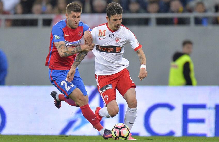 Popescu a jucat ca mijlocaș central și ca fundaș dreapta și a marcat 3 goluri în 31 de meciuri
