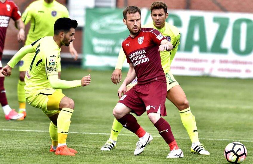 Cernat este cotat la 200.000 de euro și mai are contract cu FC Volunari până în iunie 2018