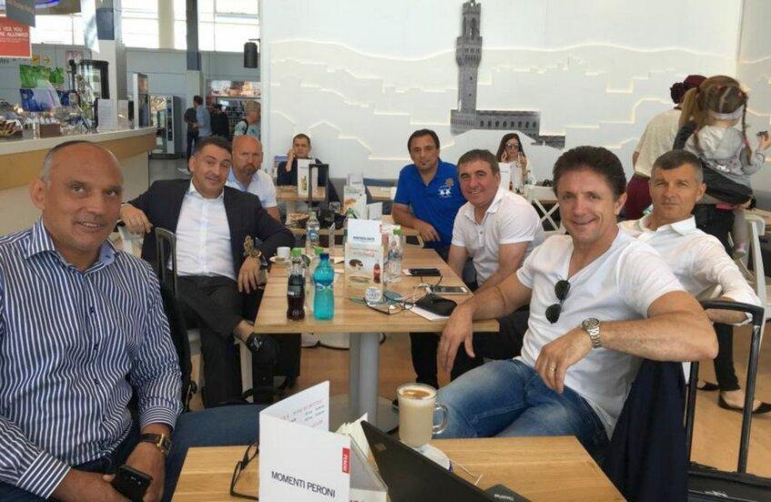 Imagine cu membrii Generației de Aur înainte de plecarea spre Cardiff Foto: Facebook