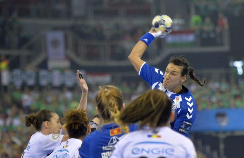Cristina Neagu s-a transferat la CSM București de la Buducnost, echipa cu care a câștigat Liga în 2015 //FOTO: Alex Nicodim