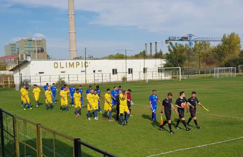 În weekend, Romprim (în albastru) a jucat împotriva Progresului 2005 pe stadionul Olimpic, fost Energoutilaj