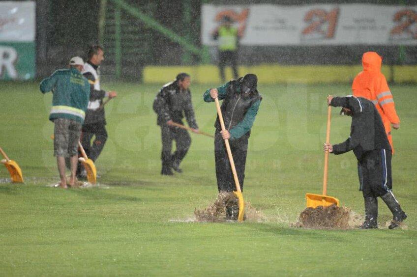 Imagini surprinse la Mioveni, în 2012 Foto: Alex Nicodim/Gazeta Sporturilor