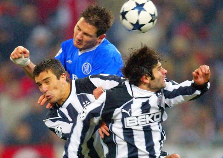 Daniel Pancu într-un duel cu Lampard în meciul cu Chelsea // Foto: Guliver/GettyImages