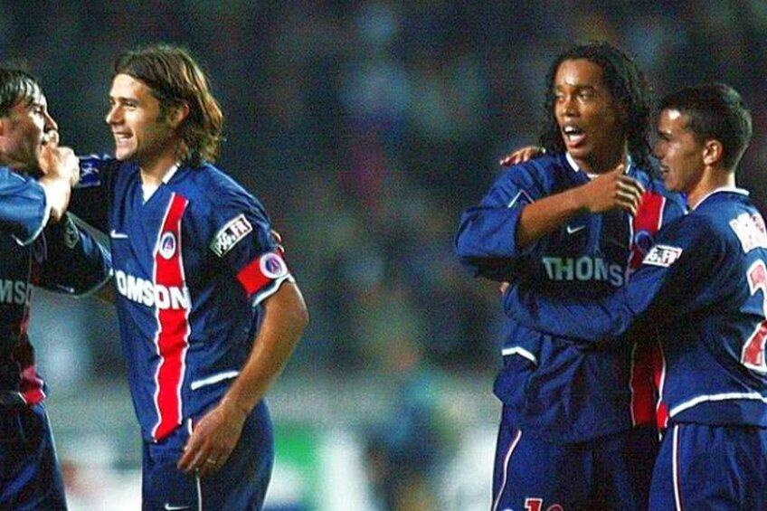 Selim Benachour, într-o supertrupă cu Pochettino (centru) și Ronaldinho (dreapta)