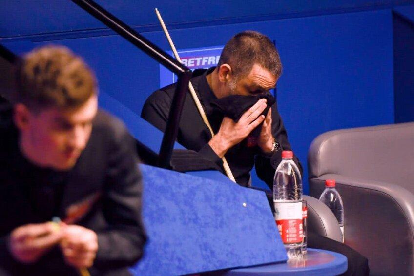 Ronnie O'Sullivan în timpul meciului pierdut cu James Cahill, foto: Guliver/gettyimages