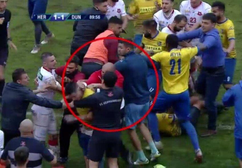 Momentul în care Vasile Miriuță îl lovește pe Steliano Filip // Captură TV Telekom Sport