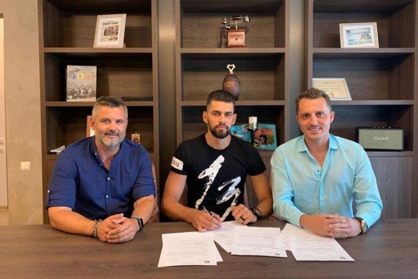 Viorel Lică împreună cu impresarul Bogdan Apostu și managerul Farului, Tibi Curt