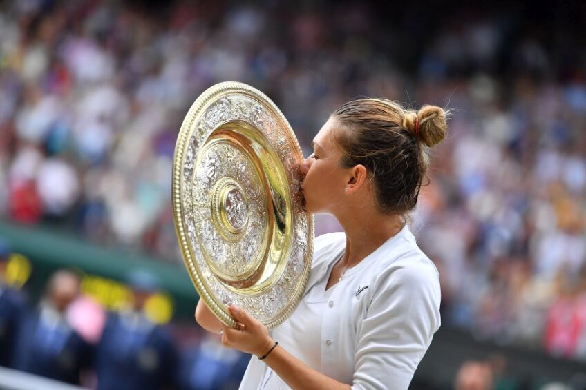 Simona Halep, sărbătorind victoria de la Wimbledon // foto: Raed Krishan
