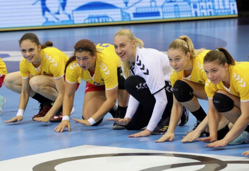 """Bucuria trăită de """"tricolore"""" după victoria cu Franța FOTO EHF"""
