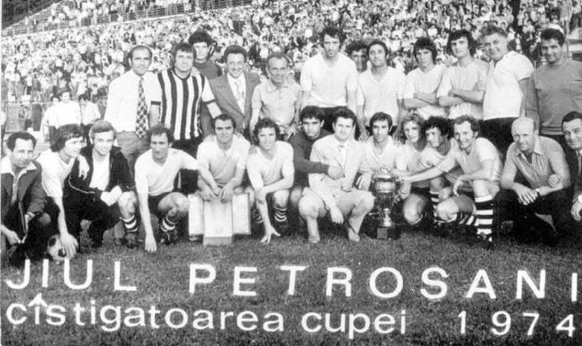 Jiul Petroșani, câștigătoarea Cupei României în anul 1974