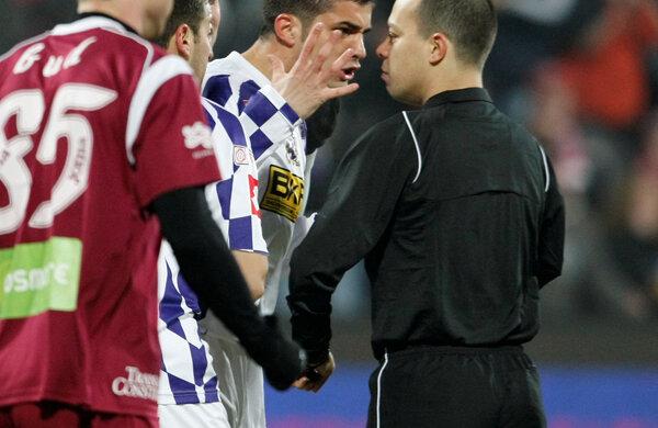 Marius Avram a acordat două penalty-uri în meciul dintre CFR Cluj şi Poli Timişoara