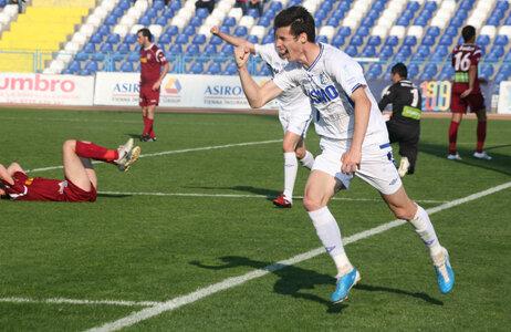 Lemnaru a marcat ieri primul gol pentru Pandurii Foto: Adriana Brujan