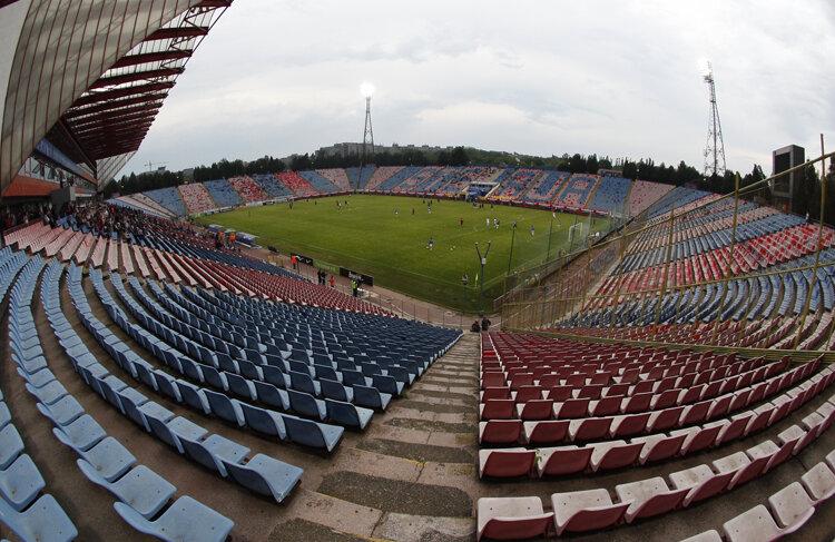 Ghencea, luni seara: 2.500 de spectatori, fix a zecea parte din asistenţa primului meci oficial al sezonului, Steaua - U Craiova Foto: Raed Krishan
