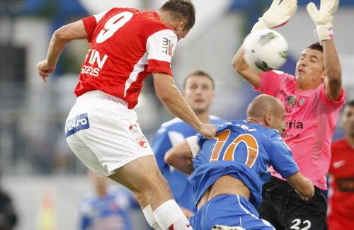 Marius Niculae a fost cel mai periculos jucător al dinamoviştilor în partida cu FCM Tîrgu Mureş