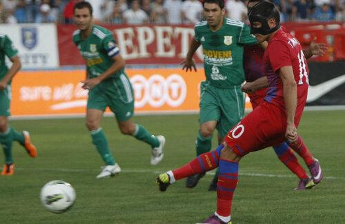 Cristi Tănase a bătut previzibil penalty-ul obţinut de Tatu