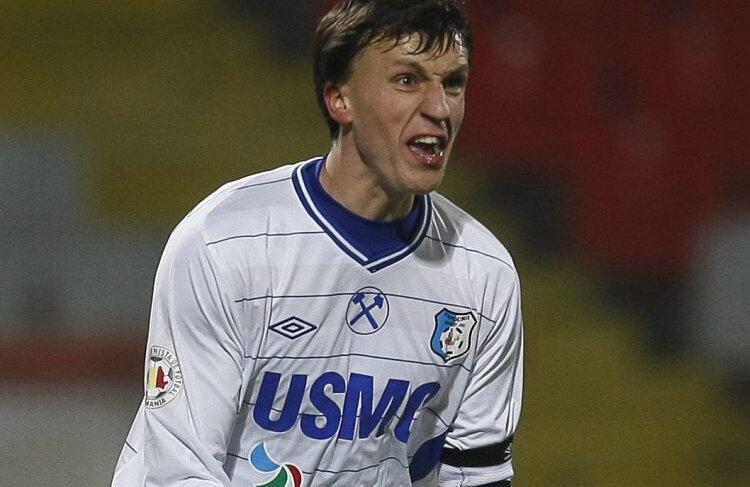 Vlad Chiriches a semnat cu Steaua, dar va îmbrăca tricoul roş-albastru abia în iarnă