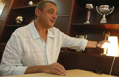 Borisov seamănă mai mult cu Miron Cozma, se amuză pe seama lui Gigi şi vorbeşte cu respect despre Giovani
