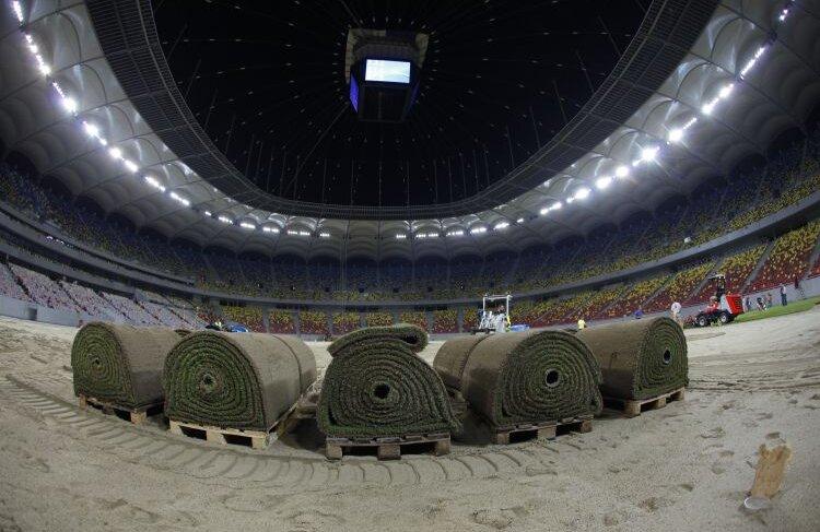 Gazonul de pe National Arena, înainte de a fi montat