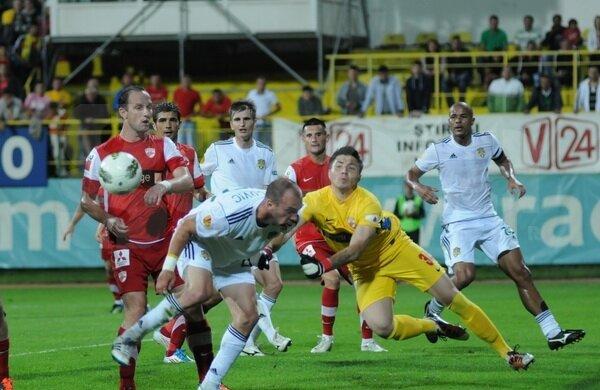 Dinamo a ratat şansa de a se desprinde la 8 puncte de Steaua