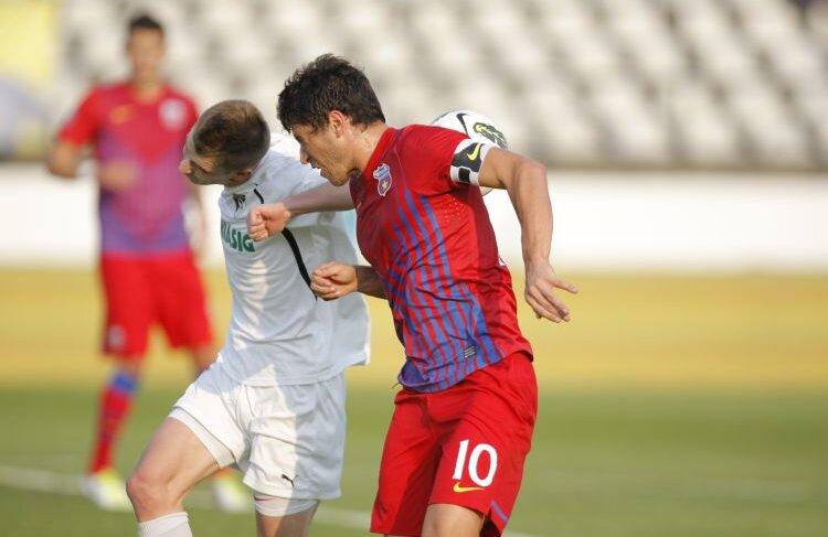 Cristi Tănase, unul dintre cei mai slabi jucători ai Stelei în meciul cu Sportul, din Regie