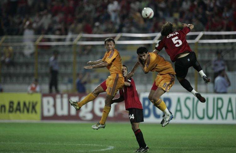 România - Albania 6-1, noiembrie 2007: în numai 20 de minute (53-73), s-au marcat 6 goluri, s-au dictat două eliminări în tabăra albanezilor, iar