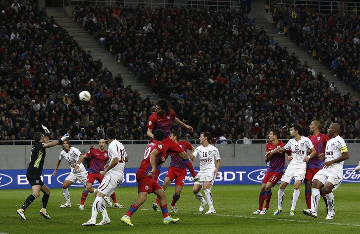 Steaua a plătit 30.000 de euro chirie pentru a disputa meciul cu Rapid pe Arena Naţională şi a avut încasări de peste 200.000 de euro din bilete