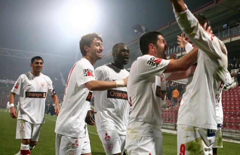 Bucuria dinamovistilor la finalul meciului CFR Cluj - Dinamo Bucuresti, scor final 2-3 foto: Lorand Vakarcs