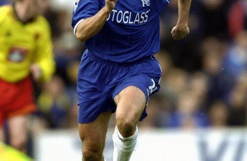 Dan Petrescu a marcat 25 de goluri în Premier League.