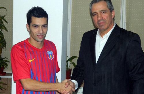 După ce a semnat cu Steaua, Pîrvulescu le-a promis suporterilor că-i va face să uite de faptul că s-a declarat dinamovist.