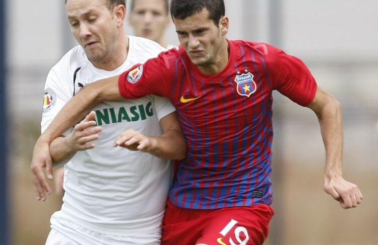 Valeriu Lupu ar putea fi soluția de avarie din banda stîngă pentru meciul cu Twente. FOTO Raed Krishan