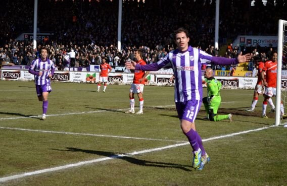 Bogdan Stancu celebrează după ce a înscris în poarta Antalyei