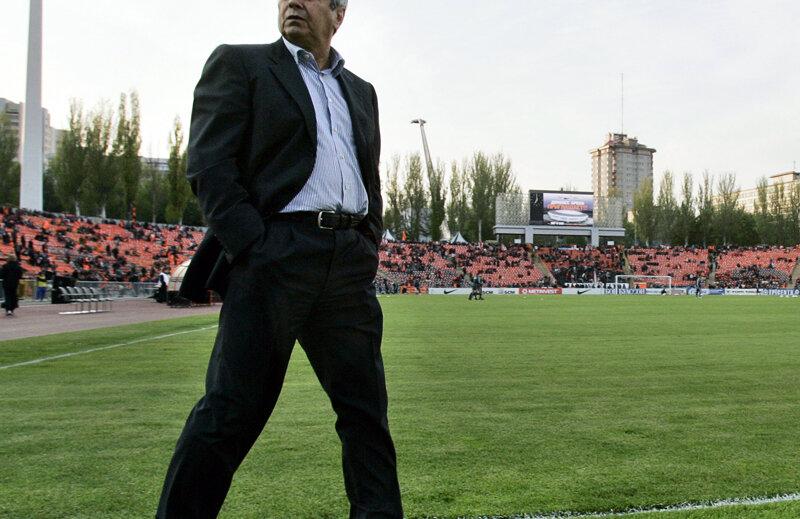 Mircea Lucescu o antrenează le Şahtior din 2004.