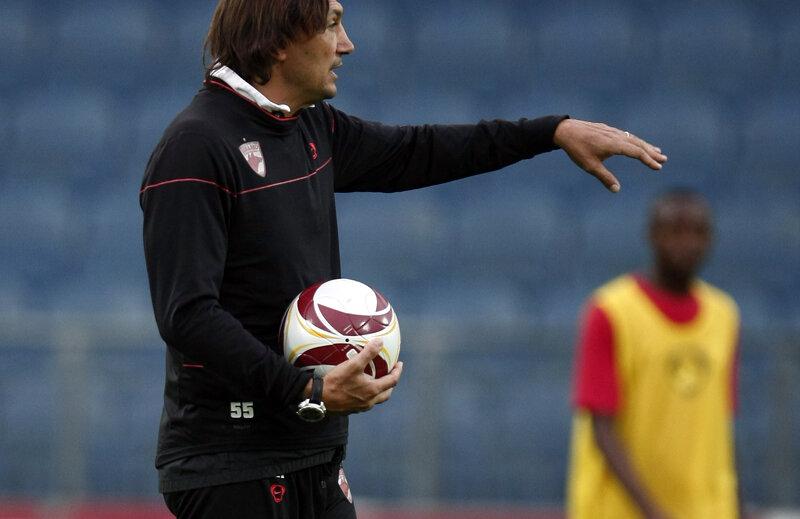 În 2009, Bonetti a rezistat 8 etape la cîrma lui Dinamo: 4 victorii, o remiză şi 3 eşecuri