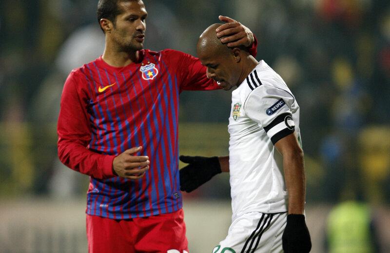 Wesley şi Geraldo, doi jucători aflaţi în lupta pentru titlu.