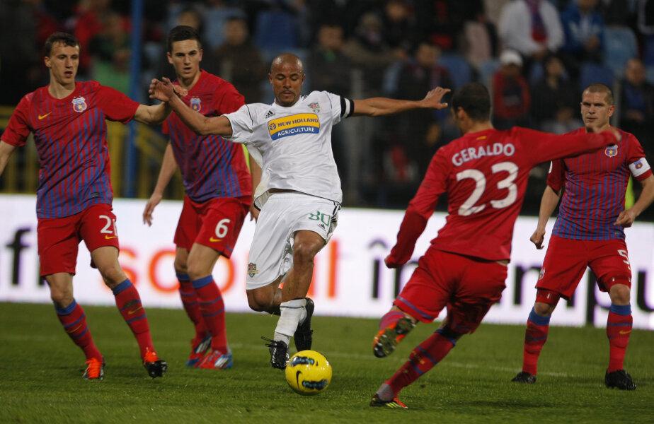 Wesley e golgeter în Liga 1 cu 22 de goluri reuşite în acest sezon.