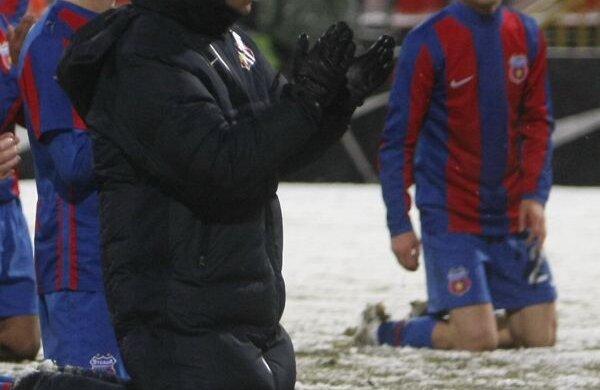 Pentru gestul său, de a pune echipa în genunchi, MM a fost pus la zid de mai multe foste glorii ale Stelei