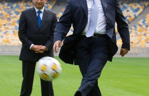 Germania amenință să-i ia mingea lui Ianukovici