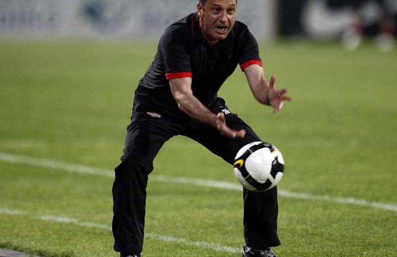 Rednic stă mai bine la meciurile directe jucate împotriva echipelor antrenate de Lucescu Jr.