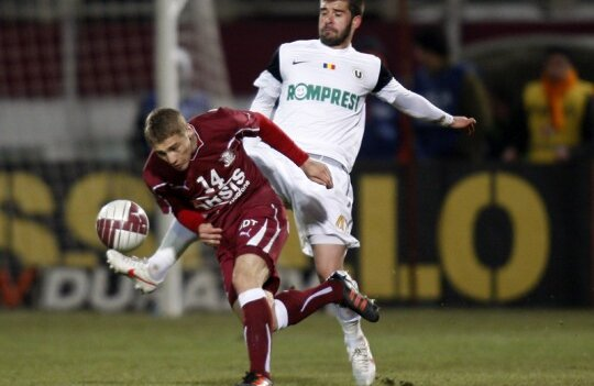 Mihai Roman poate evolua în meciul cu FCM, deşi oficialii rapidişti l-au dat suspendat