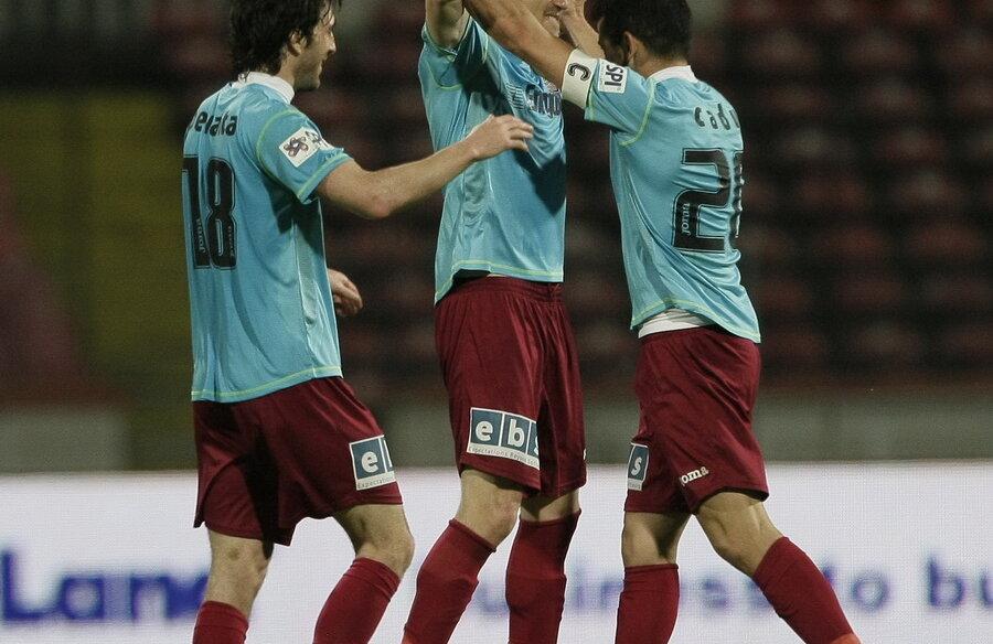 Jucătorii lui Andone au învins la Dinamo, 1-0, şi se menţin lideri