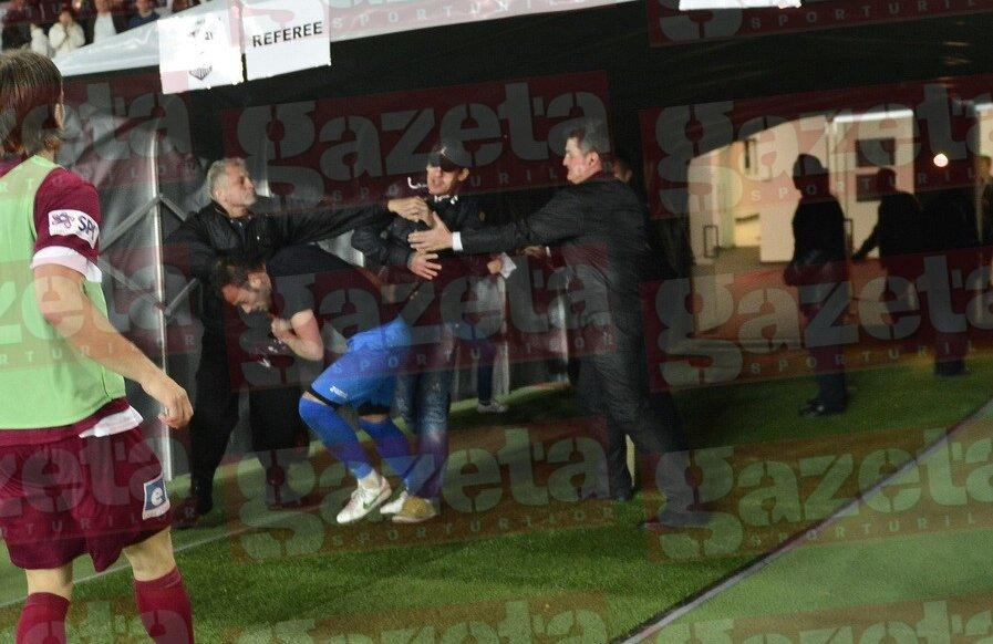 Beto a avut probleme după meci Foto: Raed Krishan